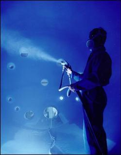 Spraying glass Lining onto vessel